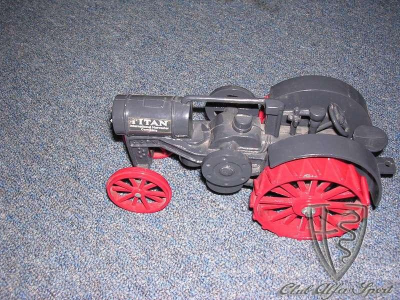 tractorromeo03.jpg